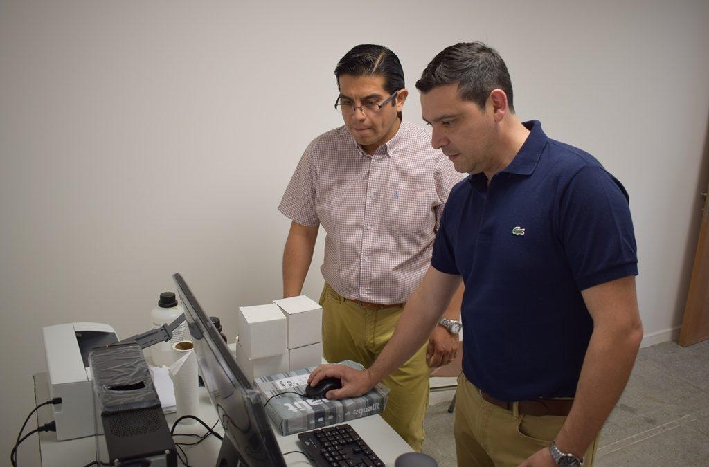 UDA adquirió moderno Espectrofotómetro para investigación en Salud, Medioambiente y Energía